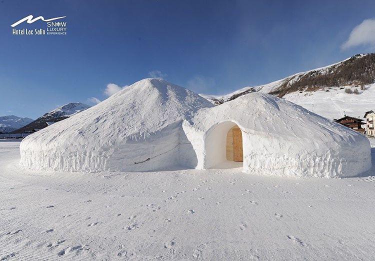 TUTTI NELLA SNOW SUITE Si tratta di una capanna dihellip